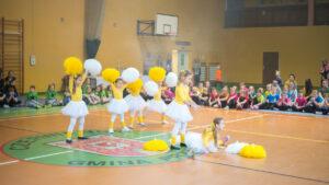 Cheerleading - Zajęcia taneczne, akrobatyczne oraz gimnastyczne w jednym